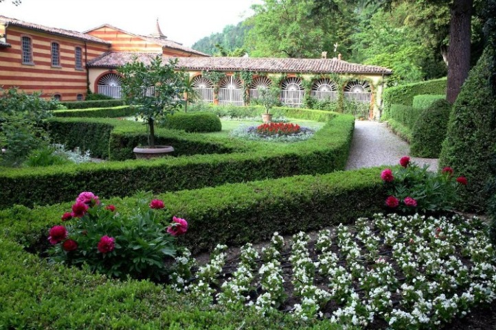 Palazzo Fantini gardens