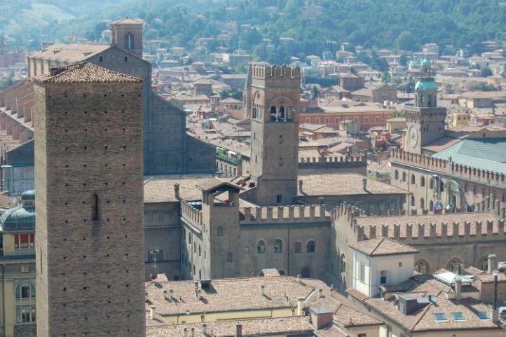 Torre Altabella, Torre Arengo, Torre dell'Orologio, Torre Lambertini