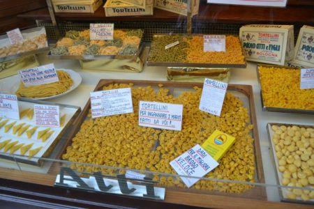 Atti store in Bologna