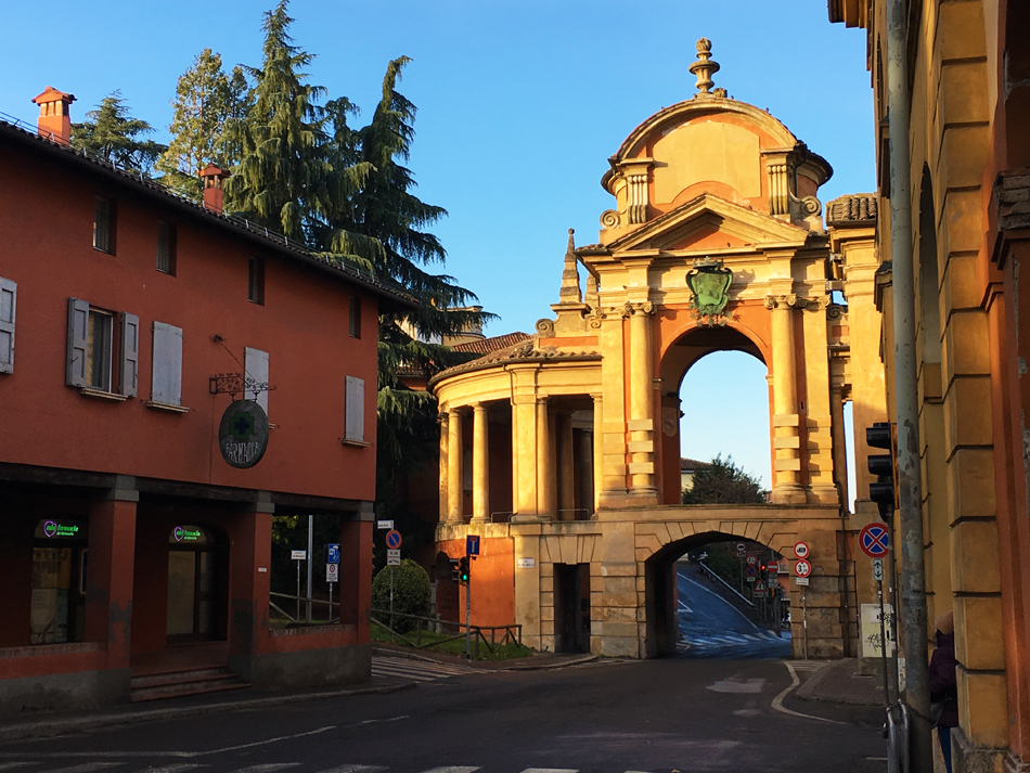 Arco del Meloncello in Bologna, part of the Portico di San Luca.