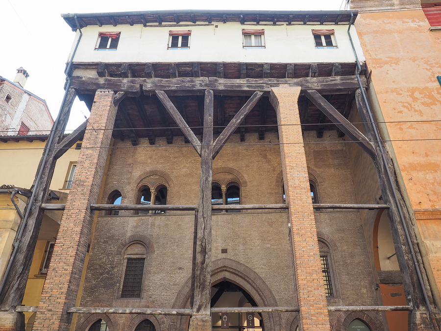 Example of surviving wooden portico in Bologna